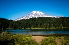 Mt Rainier Reflection Lake fotos de stock royalty free