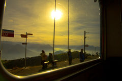 Mt Rigi, Svizzera - 24 ottobre 2016: Vista del Mt Rigi Kulm dal treno Immagini Stock Libere da Diritti