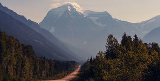 Mt robson obrazy royalty free