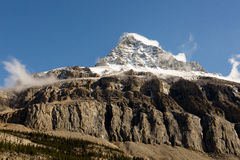 MT Robson Snow Capped Mountain Peak Stock Afbeelding
