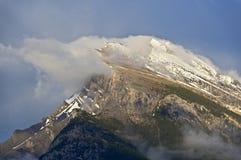 Mt Rundle Стоковое Изображение RF