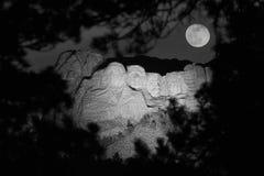 Mt. Rushmore en la noche Imagen de archivo libre de regalías