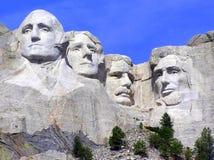 Mt. Rushmore en turist- dragning i South Dakota fotografering för bildbyråer