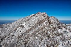 Mt Süd-Deokyu, bedeckt mit Schnee Stockbild