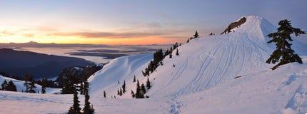 MT Seymour First Pump Peak-de winterzonsopgang, Vancouve Stock Foto's