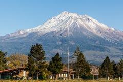 Mt Shasta Arkivfoton