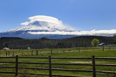 Mt shasta lenticular with farmland Royalty Free Stock Photography