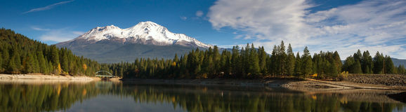 Mt Shasta Mountain Siskiyou Lake Bridge California Recreation Land Stock Image
