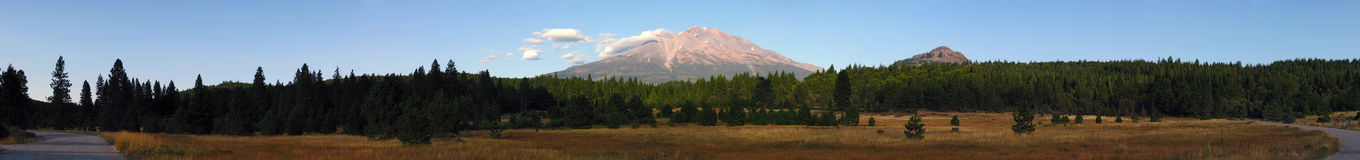 Mt Shasta Sunset  Royalty Free Stock Images