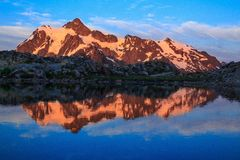 Mt Shuksan, штат Вашингтон стоковая фотография rf