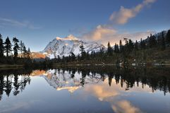 Mt. Shuksan Autumn Sunset Royalty Free Stock Photography