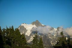 Mt Shuksan, cascades de l'état de Washington photographie stock libre de droits