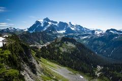 Mt Shuksan, staten Washingtonkaskader royaltyfri fotografi