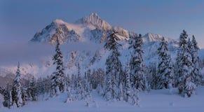 Mt Shuksan w zimie obrazy royalty free
