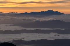 Mt Tsubakuro在日本阿尔卑斯山北部 图库摄影