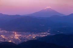 Mt Ville de Fuji et de Kofu Images stock