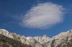 Mt. Whitney et nuage Photo libre de droits