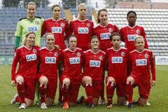 MTK εναντίον του αγώνα ποδοσφαίρου του Πότσνταμ Στοκ φωτογραφίες με δικαίωμα ελεύθερης χρήσης