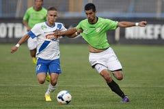 MTK contra partido de fútbol de la liga del banco de Haladas OTP Fotografía de archivo libre de regalías