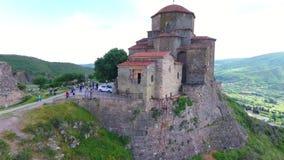 Mtskheta, ГРУЗИЯ - Octomber 14, 2017: Вид с воздуха Mtskheta, Грузии Mtskheta было старой столицей Georgia Заход солнца видеоматериал