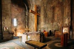 Mtskheta Georgia Большой деревянный крест в интерьере церков Jvari, Стоковые Фотографии RF