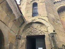 MTSKHETA, GEORGIA - 9 APRILE 2018: Monastero ortodosso georgiano di Jvari vicino a Mtskheta Georgia Luogo del patrimonio mondiale immagini stock
