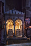 Mtskheta, Georgia - 8 ottobre 2016: Interno della chiesa di trasfigurazione Monastero di Samtavro immagini stock libere da diritti