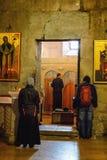 Mtskheta Gruzja, Październik, - 4, 2016: Poranne nabożeństwo i wnętrze Svetitskhoveli Ortodoksalna katedra w Mtskheta, Gruzja Obraz Stock