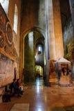 Mtskheta Gruzja, Październik, - 4, 2016: Wnętrze Svetitskhoveli ortodoksa katedra Zdjęcie Stock
