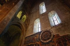 Mtskheta Gruzja, Październik, - 4, 2016: Wnętrze Svetitskhoveli ortodoksa katedra Zdjęcie Royalty Free