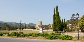 Mtskheta, Gruzja SIERPIEŃ 17, 2013: Samtavro transfiguraci Ortodoksalny kościół i Nunnery St Nino w Mtskheta Zabytek t Fotografia Stock