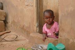 MTWARA Tanzania - December 3, 2008: byn. Arkivbild