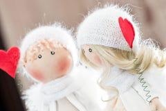Muñeca de la materia textil hecha a mano - un par de ángeles Foto de archivo libre de regalías