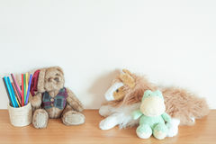 Muñeca en la tabla Fotografía de archivo libre de regalías