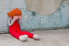 Muñeca gritadora fotografía de archivo libre de regalías