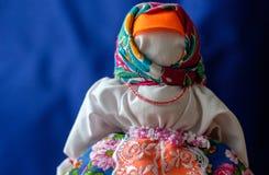 Muñeca pasada de moda hecha a mano fotografía de archivo libre de regalías