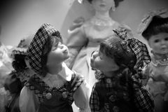 Muñecas antiguas del bebé foto de archivo