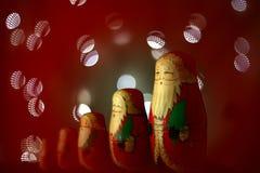 Muñecas de madera tradicionales de un matryoshka de la Navidad Fotografía de archivo
