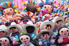Muñecas de trapo mexicanas Maravillosamente mano hecha a mano foto de archivo