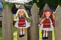 Muñecas hechas a mano rumanas fotos de archivo