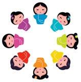 Muñecas japonesas lindas del kokeshi en círculo ilustración del vector