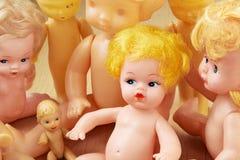 Muñecas plásticas viejas Fotos de archivo