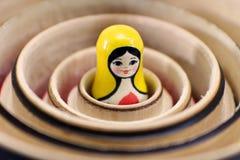 muñecas rusas de la jerarquización del matryoshka Imagen de archivo