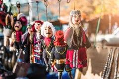 Muñecas vestidas en los trajes nacionales georgianos fotografía de archivo libre de regalías