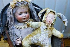 Muñecas viejas Fotografía de archivo libre de regalías