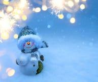 Muñeco de nieve de Art Christmas en la nieve fotos de archivo libres de regalías