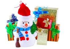 Muñeco de nieve de la decoración del Año Nuevo. Aislado. Fotos de archivo