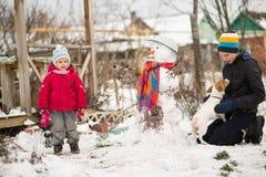 Muñeco de nieve del molde de los niños Fotografía de archivo