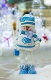 Muñeco de nieve divertido de la Navidad Imágenes de archivo libres de regalías