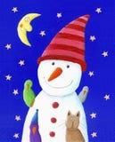 Muñeco de nieve, gato y pájaros lindos en la noche Foto de archivo
